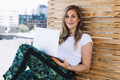 Elise-Darma-with-laptop