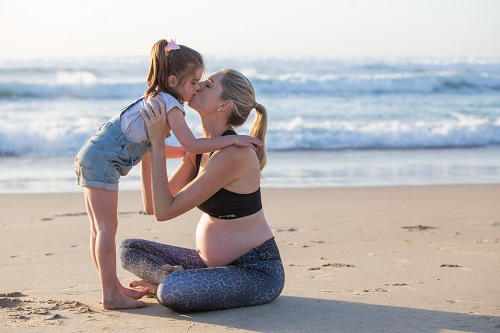 Kimmy-Smith-And-Child-On-Beach
